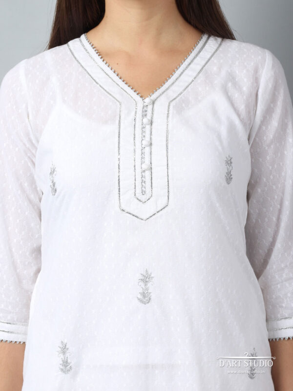 Hand Embroidered White Cotton Kurta DARTSTUDIO3220