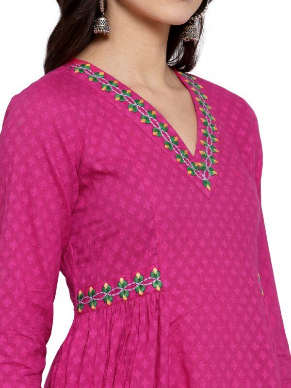 Hand Embroidered Pink Cotton Kurta DARTSTUDIO DS3272